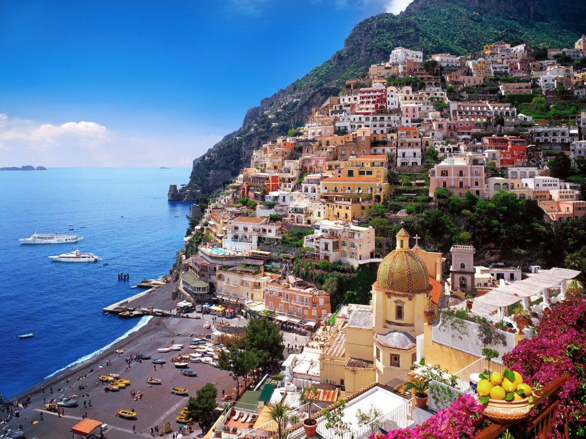 Positano and Amalfi by boat from Naples